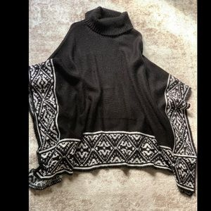 Forever 21 Sweaters - Poncho sweater